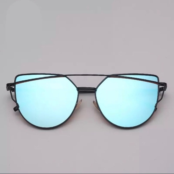Accessories - Blue Mirrored Cat Eye Aviator Sunnies V